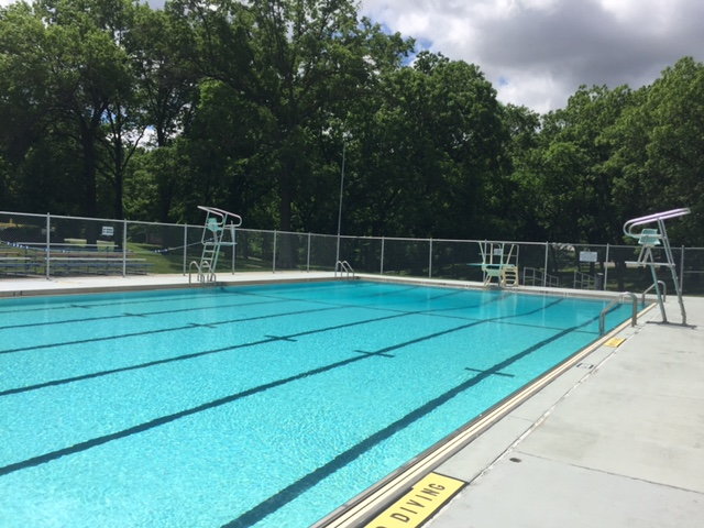 Public pools the city of carlyle illinois carlyle - Dauphin public swimming pool hours ...