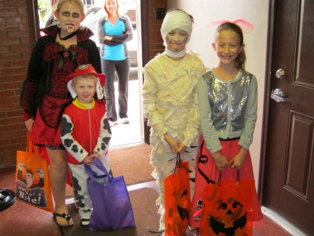 Business Trick or Treat 2015 001