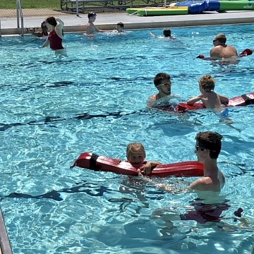 <strong>Swimming Lessons</strong>