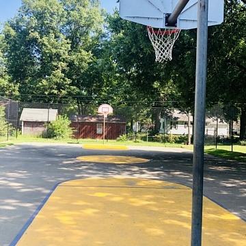 <b>Basketball Court</b>
